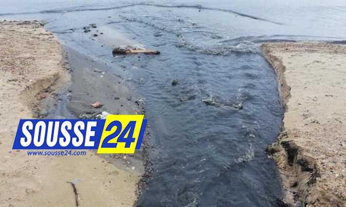 Photo of انقذوا شاطئ بوجعفر!!!مياه الصرف الصحي تصب مباشرة في الشاطئ