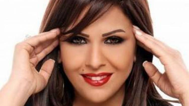 Photo of زوجة الفنانة الراحلة منيرة حمدي ينهار باكيا على الهواء : ارحموا منيرة